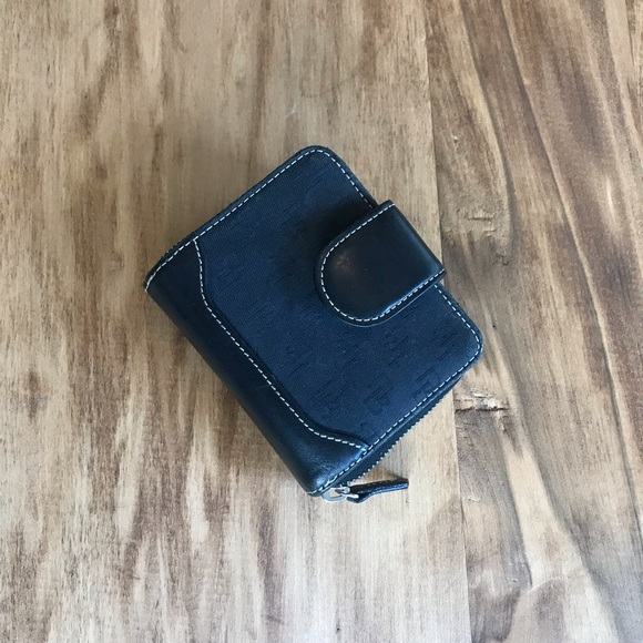 Dooney & Bourke Accessories - Dooney & Bourke Wallet